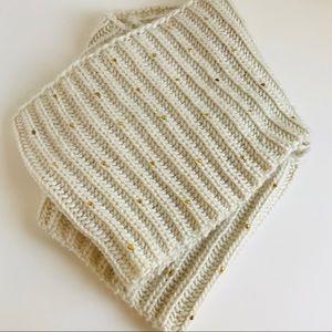 Betsey Johnson   beige gold studs infinity scarf
